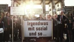 Forderung auf der ersten interaktiven Demonstration vor dem Brandenburger Tor. Eingereicht über Facebook, Twitter und einer Microsite.