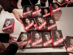 11 verschiedene Cover haben den einzelnen Geschichten in der Buchhandlung Sichtbarkeit verschafft.