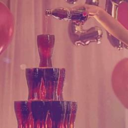Creative Direction, Art Direction , Ideenentwicklung und Konzeption für die Social-Media-Plattform von Coca-Cola. Konzipiert, entwickelt und ausgerollt in 14 europäische Märkte. GIFs, Videos, Memes, Feedhacks und selbst kleinere Kampagnen fanden Platz in der Social-Media-Planung.